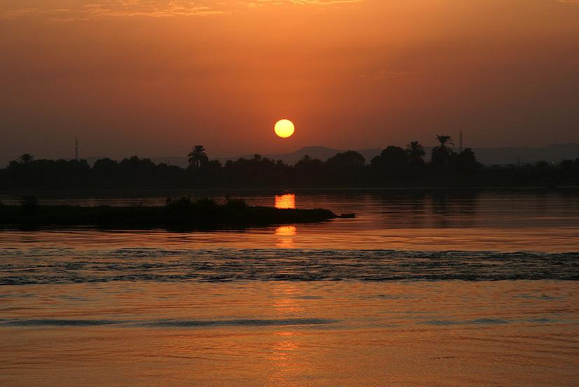 Nil, méandres méconnus, cités oubliées